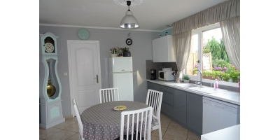 meuble cuisine-table vente-chaise-frigo-double vitrage-
