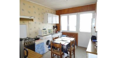 cuisine-meuble-evier-table-chaises-eau-vente notaire vimy-