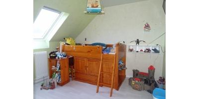 chambre-velux-dressing-lit-parquet-tuiles-beton-