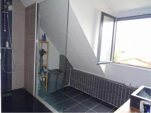 salle de bain-douche-lavabo-double vitrageprovin-meurchin