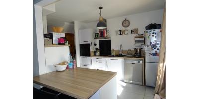 cuisine meuble equipement-four-evier-plaque gaz-snack
