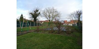jardin arbore-cloture-voiture-potager-gazon-recherche maison