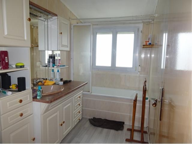 salle de bain-residence-seloger mericourt