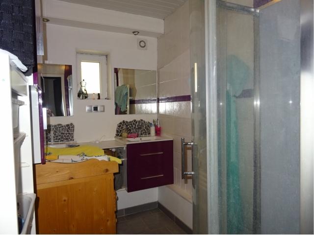 salle de bainmeublée équipéehe italienne