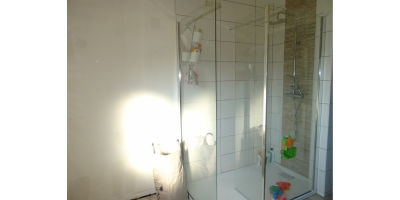 salle de bain-meublée équipée-
