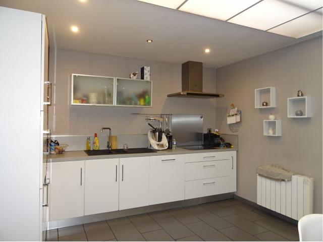 cuisine ouverte meublée équipée location-vente
