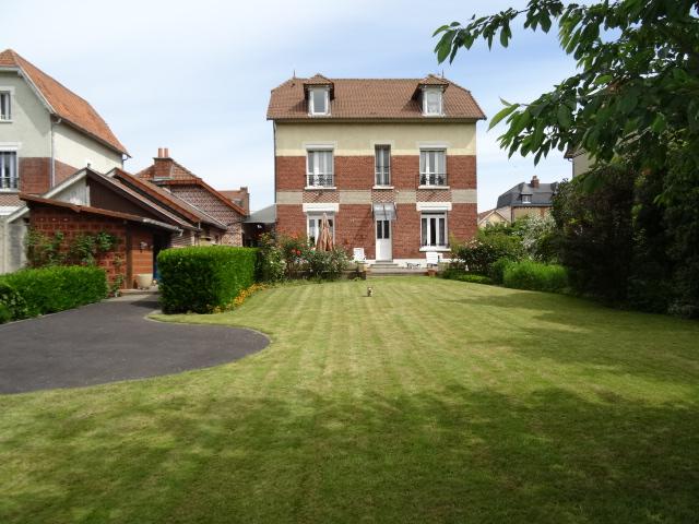 parc jardin-garage-maison briques tuiles-leboncoin-