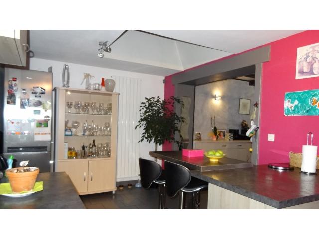 cuisine -evier-doubles vitrage-chauffage gaz-centre ville-