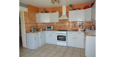 cuisine-meublee-micro ondes-four-carvin agence-immobilier-