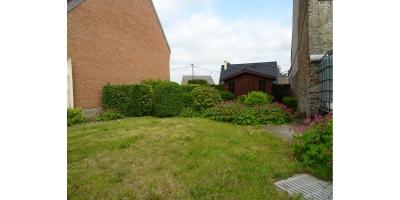 jardin-gazon-chalet de jardin-garage-seloger-